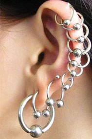 Как правильно прокалывать уши?