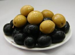Чем отличается оливка от маслины?