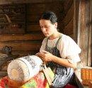 Как плетут кружево на коклюшках?