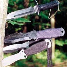 Как метать нож в цель?