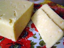 Как изготовить твердый сыр в домашних условиях?