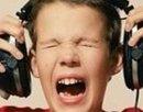 Вредно ли слушать музыку через наушники?