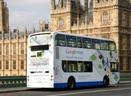 Google запустил рекламу на автобусах Лондона