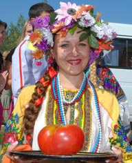 Сибиряк  выиграл автомобиль на конкурсе помидоров