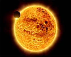 Почему солнце краснеет?