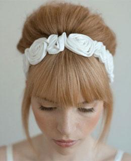 Как украсить  невесту свадебными лентами?