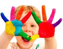 Как приучить ребенка рисовать красками?