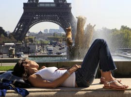 Парижанки могут носить брюки
