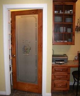 Как выбрать межкомнатную стеклянную дверь?